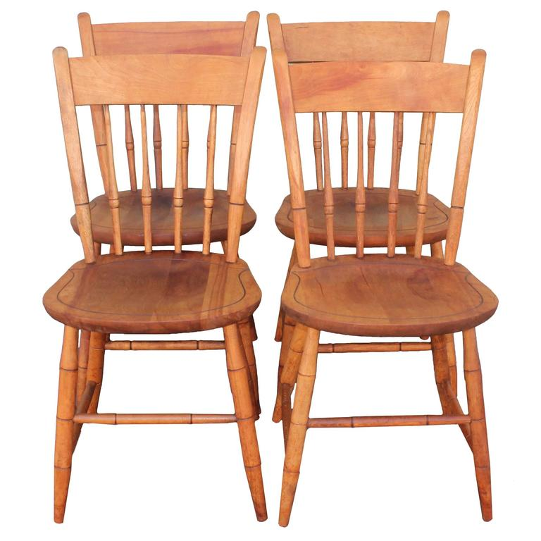 Signed Nichols And Stone Thumb Back Windsor Chairs / Set Of Four For Sale
