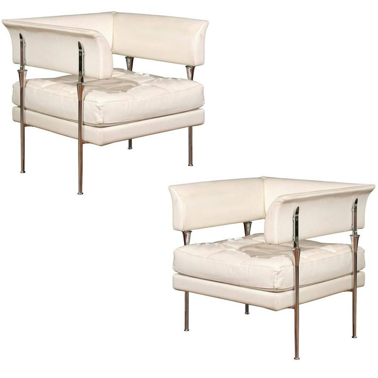 Pair of italian poltrona frau hydra chairs in pelle for Chaise longue frau
