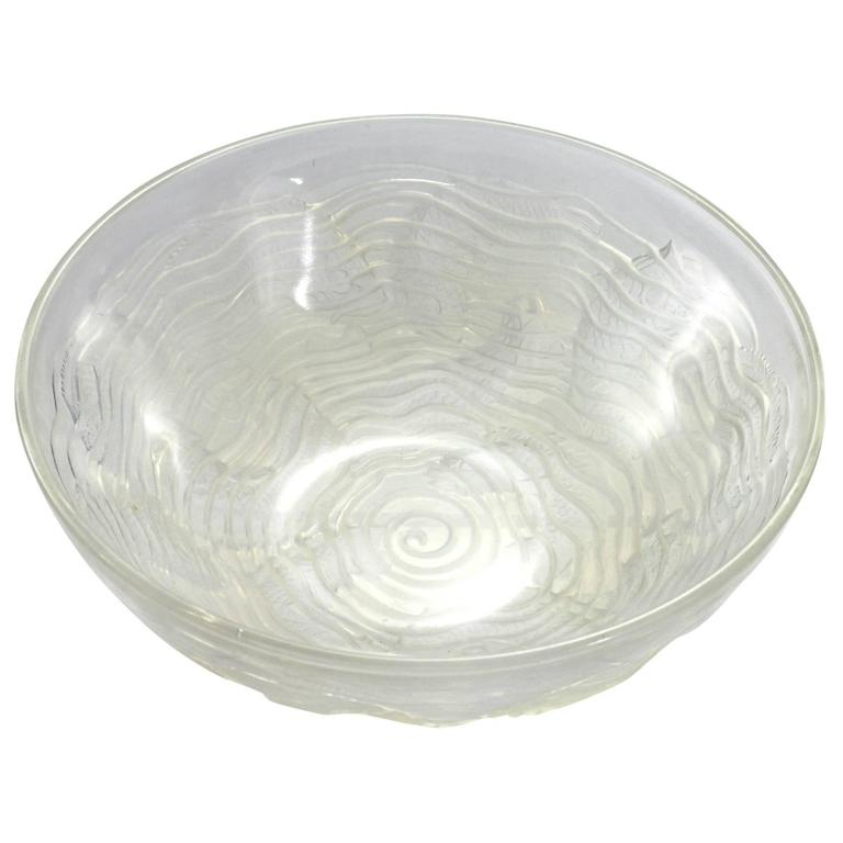Early 20th Century Art Deco Opalescent Glass 'Dauphin' Bowl by René Lalique