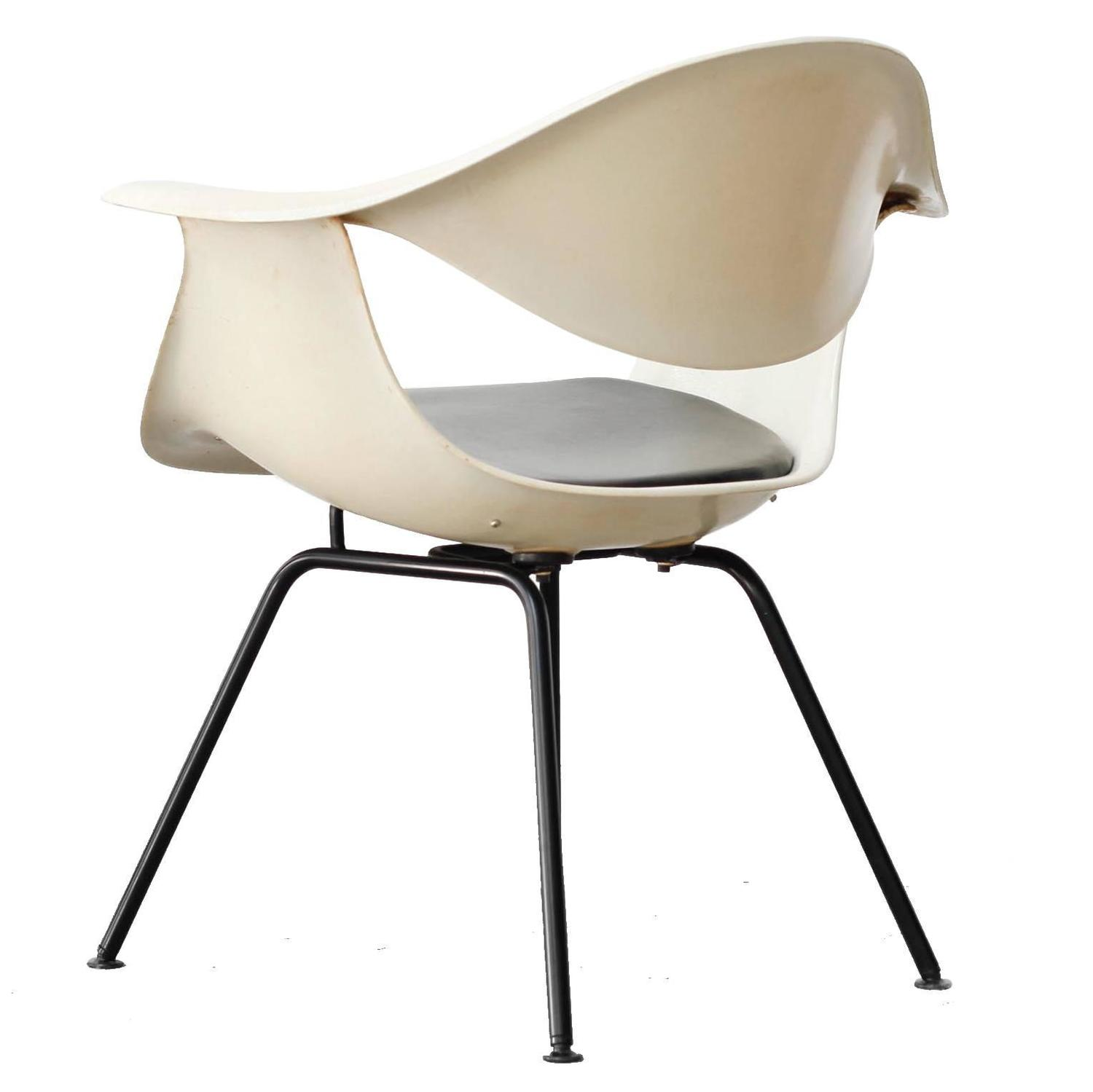 DAF Fiberglass chair by George Nelson for Herman Miller 1958 For