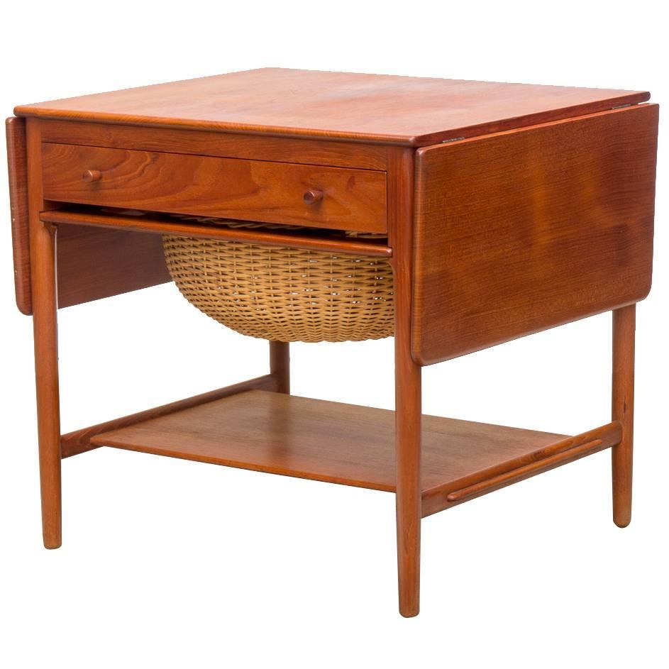 Wegner at 33 teak sewing table at 1stdibs - Archives departementales 33 tables decennales ...