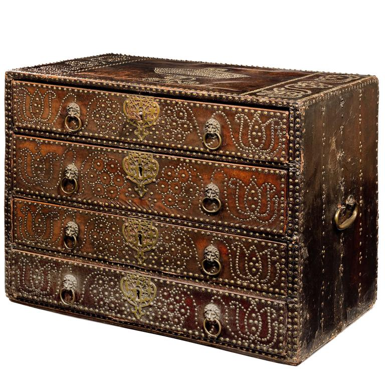 Studded-leather linen chest attributed to Richard Pigg or William Johnson, 1702–14