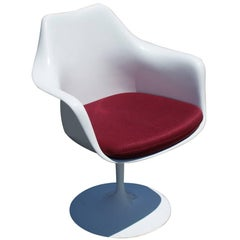 1 Original Knoll Eero Saarinen Swivel Tulip Armchair