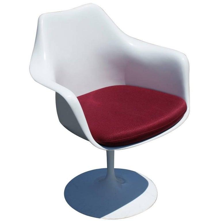 1 Original Knoll Eero Saarinen Swivel Tulip Armchair For Sale