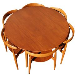 Impeccable Heart Dining Set by Hans Wegner for Fritz Hansen with Six Chairs
