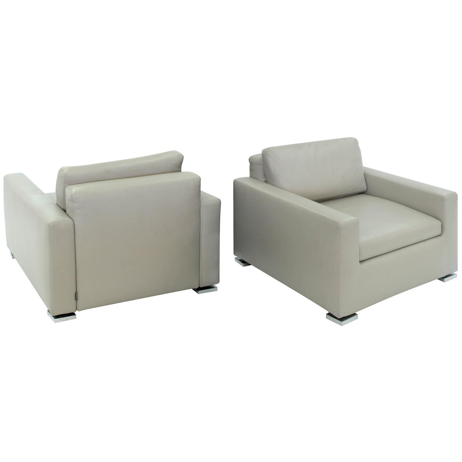 pair of clean line lounge chairs by minotti at 1stdibs
