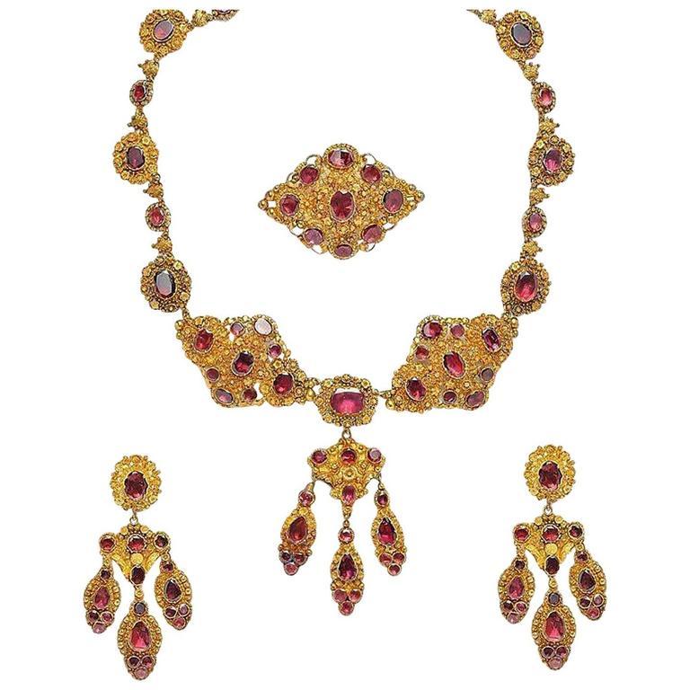 Antique 18k Gold Garnet Necklace Chandelier Earrings