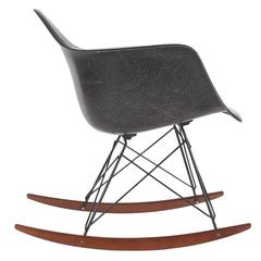 Mid-Century Eames for Herman Miller Fiberglass Rocking Lounge Chair in Black