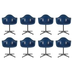 Mid-Century Charles Eames Herman Miller Fiberglass Dining Chairs in Royal Blue