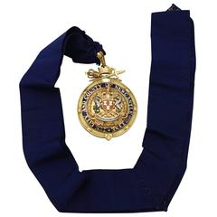 1930s Antique George VI 14-Karat Yellow Gold and Enamel Mayoral Medallion