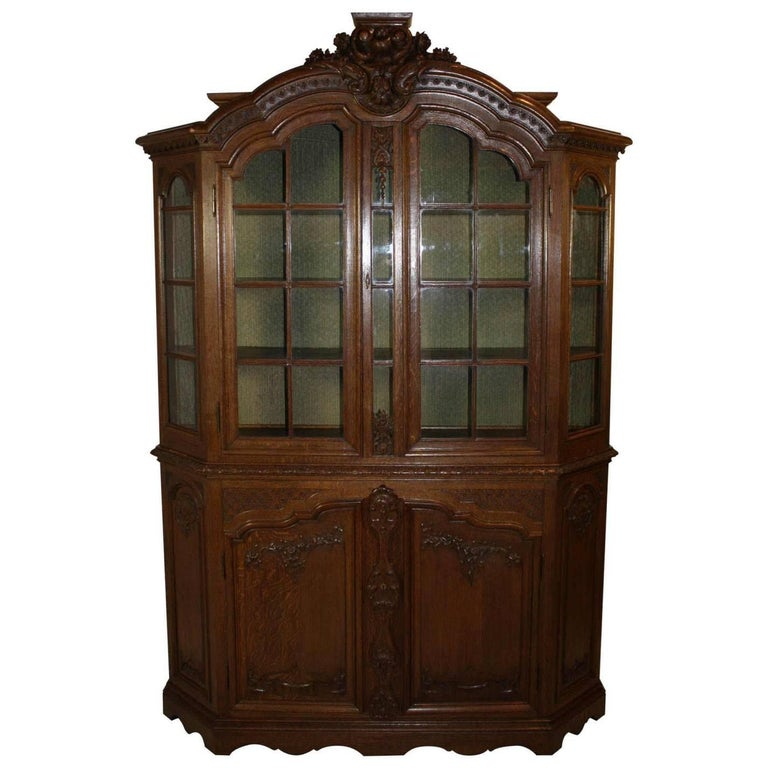 Late 19th Century Louis XV Style Hutch For Sale