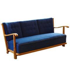 Rare Fritz Hansen Sofa Model 1590a in Honey Colored Oak and Original Fabric