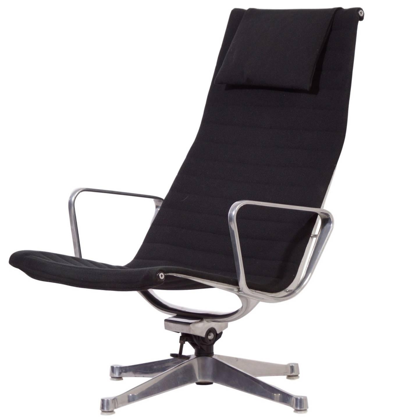 Ea124 lounge chair by charles and ray eames for herman miller 1958 for sale - Fauteuil herman miller ...