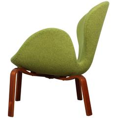 Early Swan Chair by Arne Jacobsen