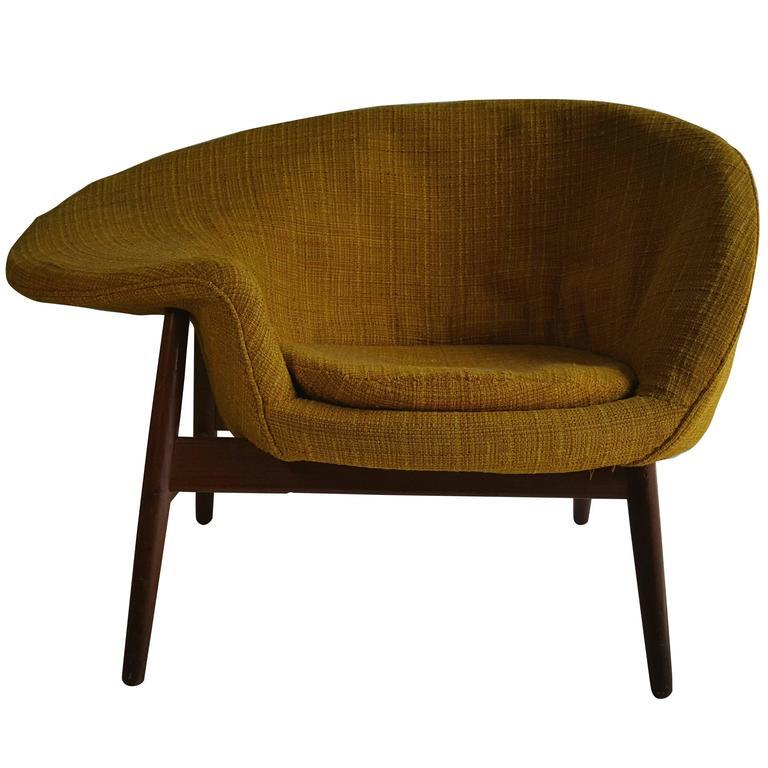 fried egg chair by hans olsen denmark for sale at 1stdibs. Black Bedroom Furniture Sets. Home Design Ideas
