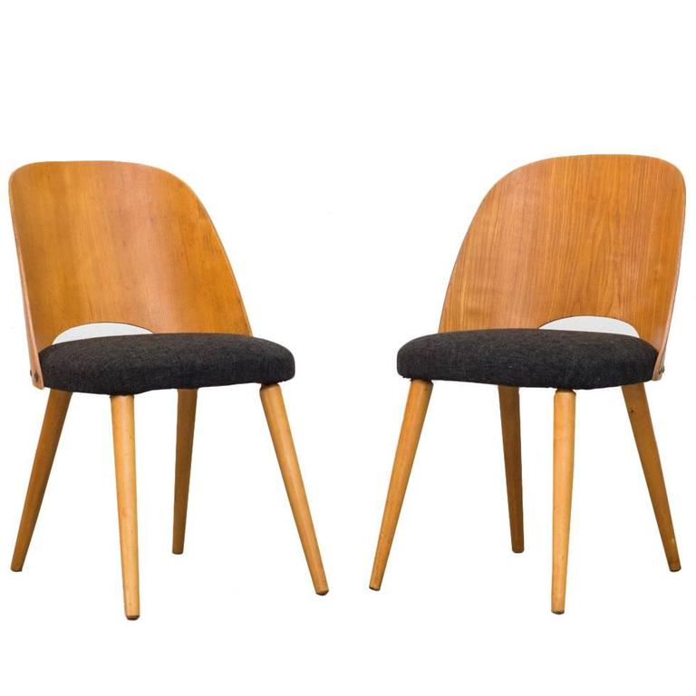 pair of thonet barrel back beech dining chairs at 1stdibs