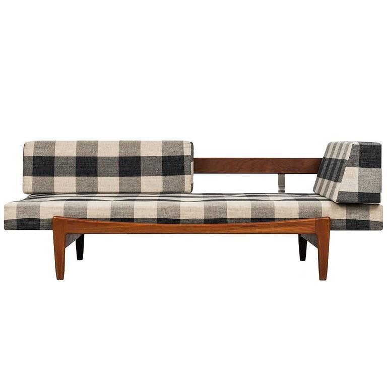 Ib Kofod-Larsen Daybed/Sofa by Seffle Möbelfabrik in Sweden