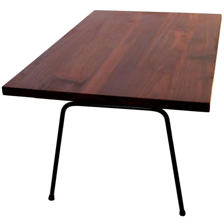 1950s Solid American Modern Walnut Atomic Age Small Coffee Table At 1stdibs