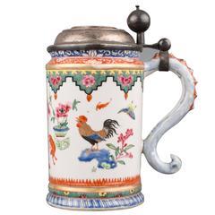 Chinese Export Porcelain Famille Rose Tankard, Qianlong, circa 1760