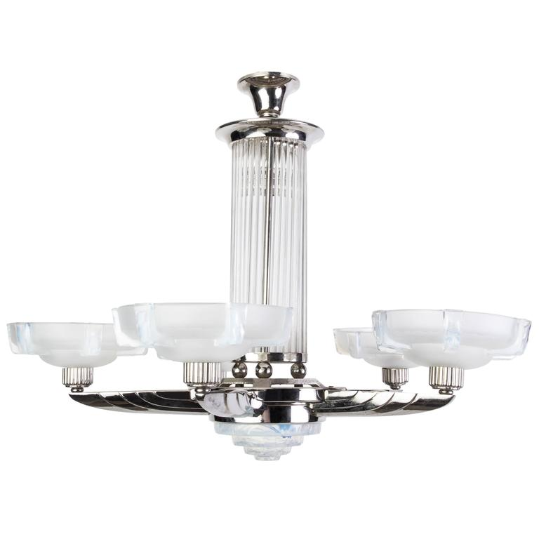 Stunning 1920s French Art Deco Chandelier by Petitot
