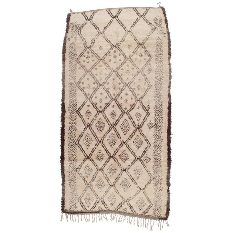 beni ouarain moroccan berber rug at 1stdibs. Black Bedroom Furniture Sets. Home Design Ideas