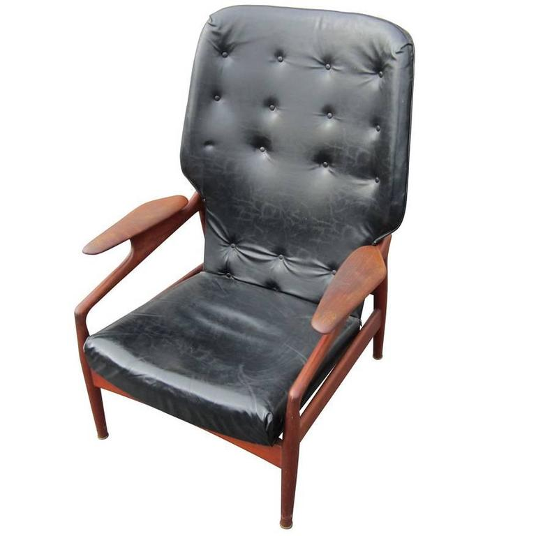 Vintage Reclining Lounge Chair In The Manner Of Finn Juhl 1