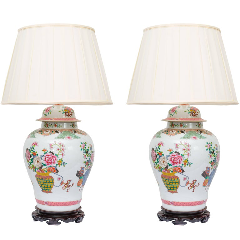 Pair of Chinese Urn Lamps on Scalloped Bases For Sale
