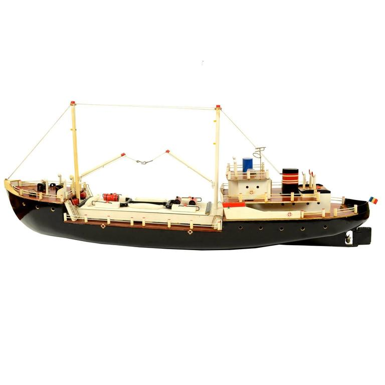 French Ship Model Made in the 1950s For Sale