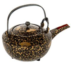 Edo Japanese Lacquered Black and Gold Tea Pot with Satake Mon Family