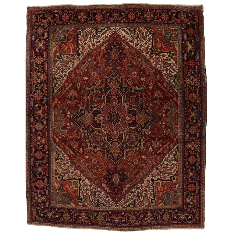 Antique persian heriz area rug with traditional modern for Vintage style area rugs