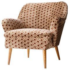 Italian Armchair whith Geometric Cotton Velvet. Italy, 1960.