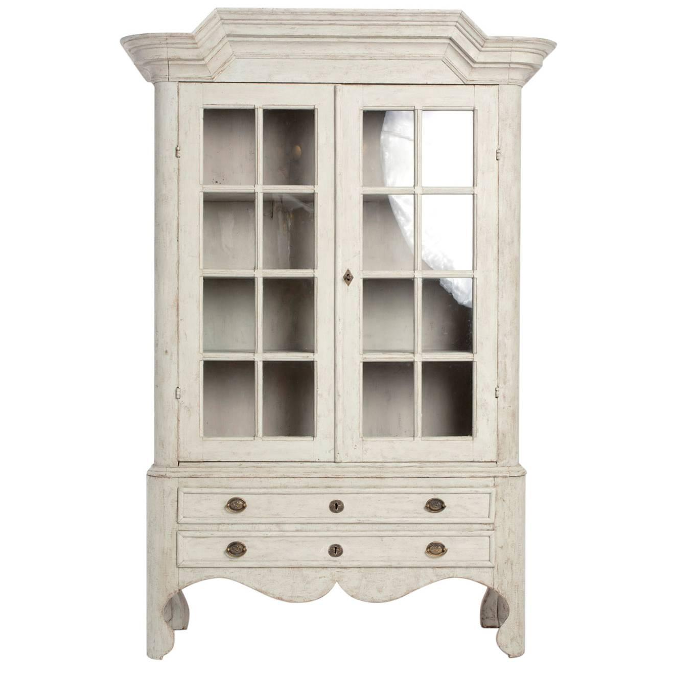 White painted cabinet for sale at 1stdibs for White cabinets for sale