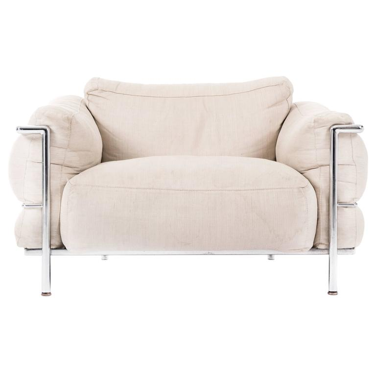 le corbusier lc3 lounge chair grande at 1stdibs. Black Bedroom Furniture Sets. Home Design Ideas