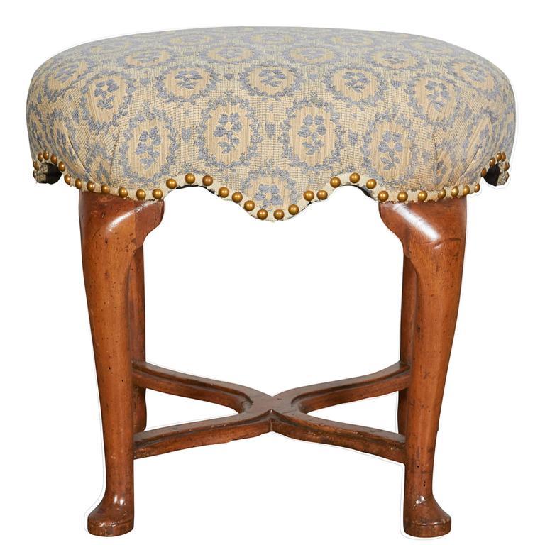Italian Baroque Oval Walnut Stool