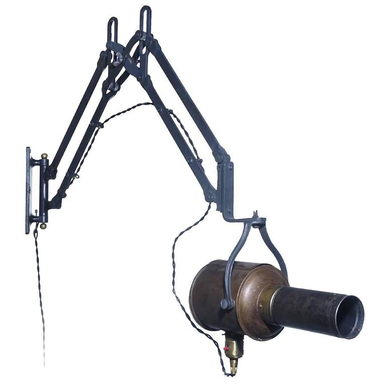 Articulated Arm Spotlight