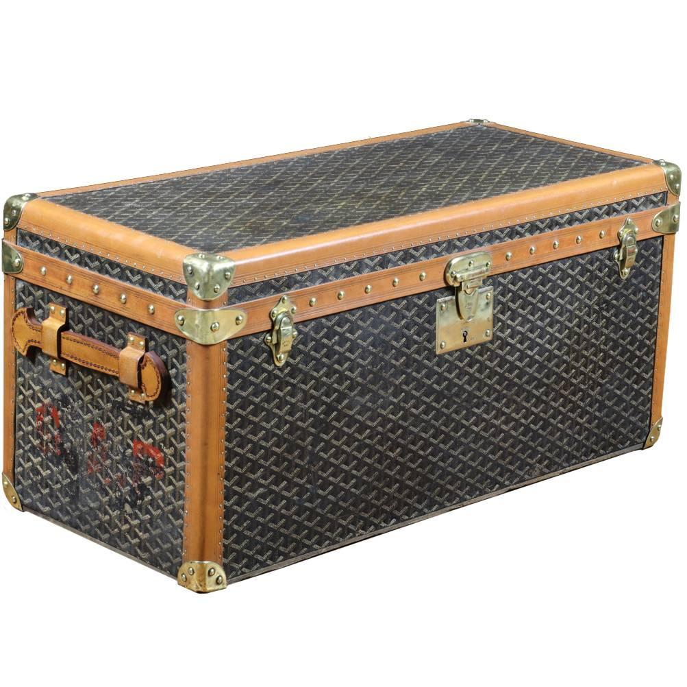 1930s little goyard shoes trunk for sale at 1stdibs. Black Bedroom Furniture Sets. Home Design Ideas