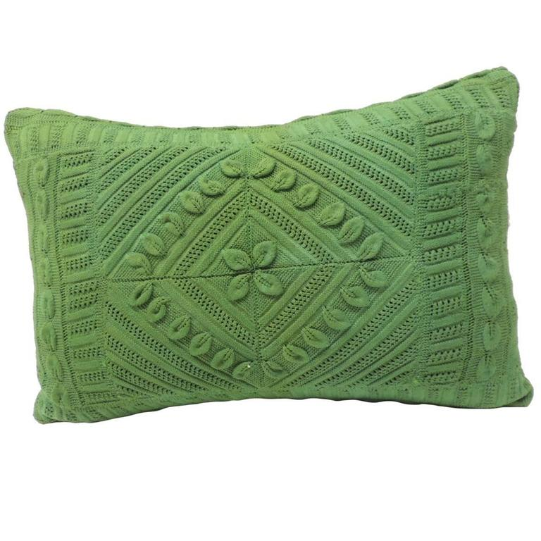 Vintage Kelly Green Crochet Lumbar Decorative Pillow For Sale at 1stdibs