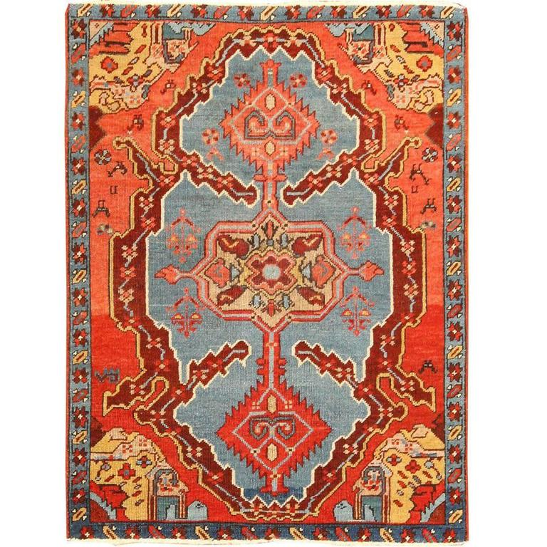 Antique Heriz Serapi Bakshaish Rug For