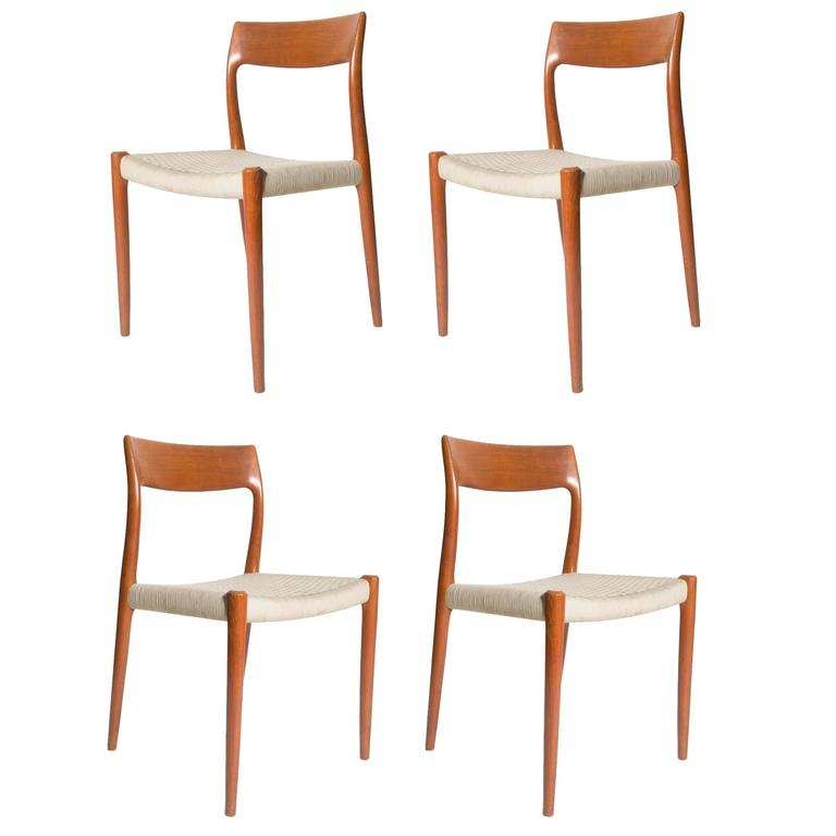 Superbe Four Niels Otto Møller Model 77 Dining Chairs For Sale