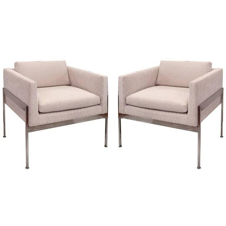 Pair of Chrome and Upholstered Chairs in the Manner of Knoll For Sale