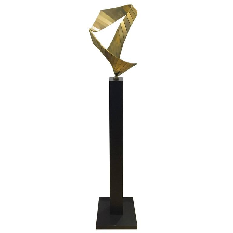 1970s Twisted Bronze Abstract Sculpture on Black Pedestal
