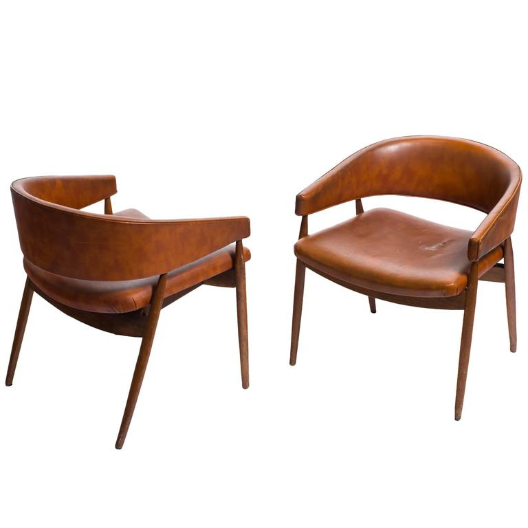 Pair of Midcentury Curved Lounge Chairs at 1stdibs