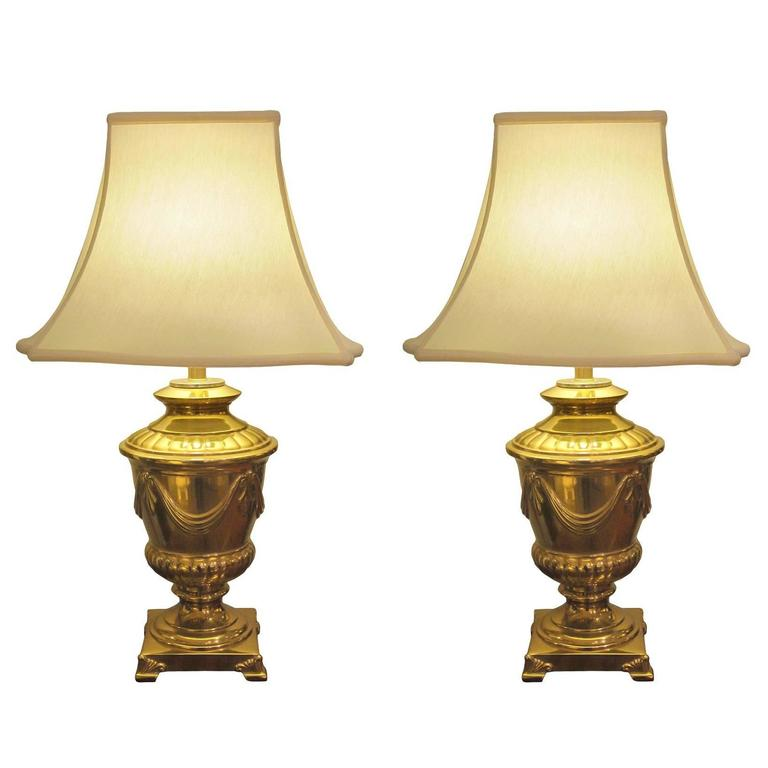 Good Quality Pair of American Frederick Cooper Campagna-Form Solid Brass Lamps For Sale