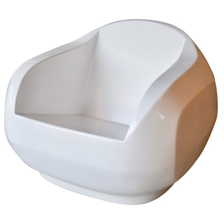 Rare Sculptural Fiberglass Chair