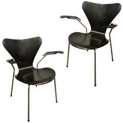 Arne Jacobsen, Pair of Model 3207 Chairs, by Fritz Hansen, 1955, Denmark