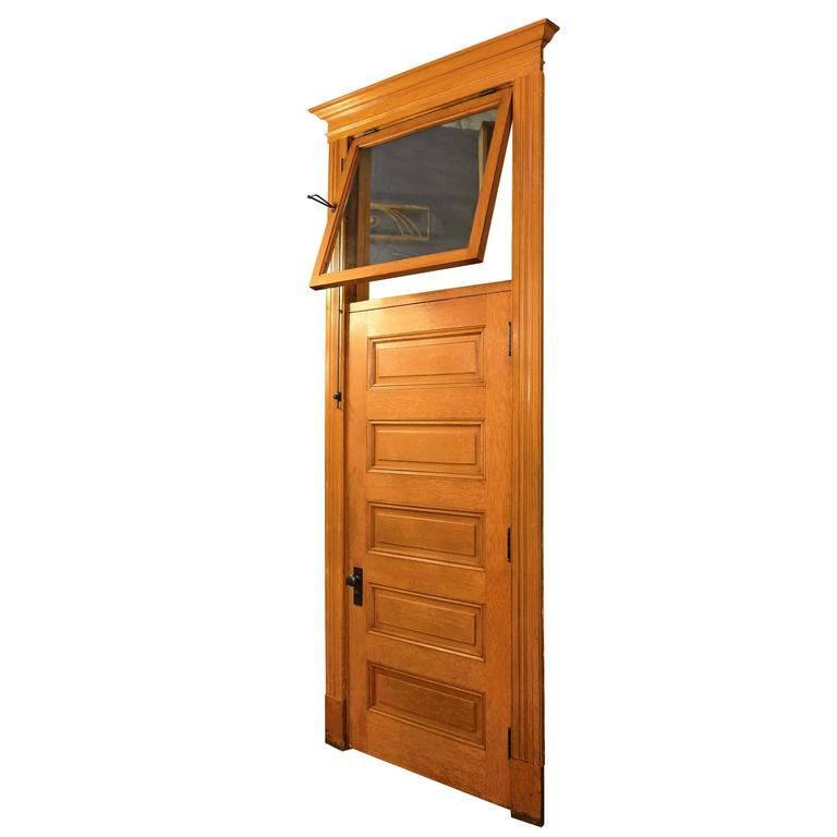 Merveilleux Red Oak Five Panel Doors With Transom, Circa 1900 For Sale