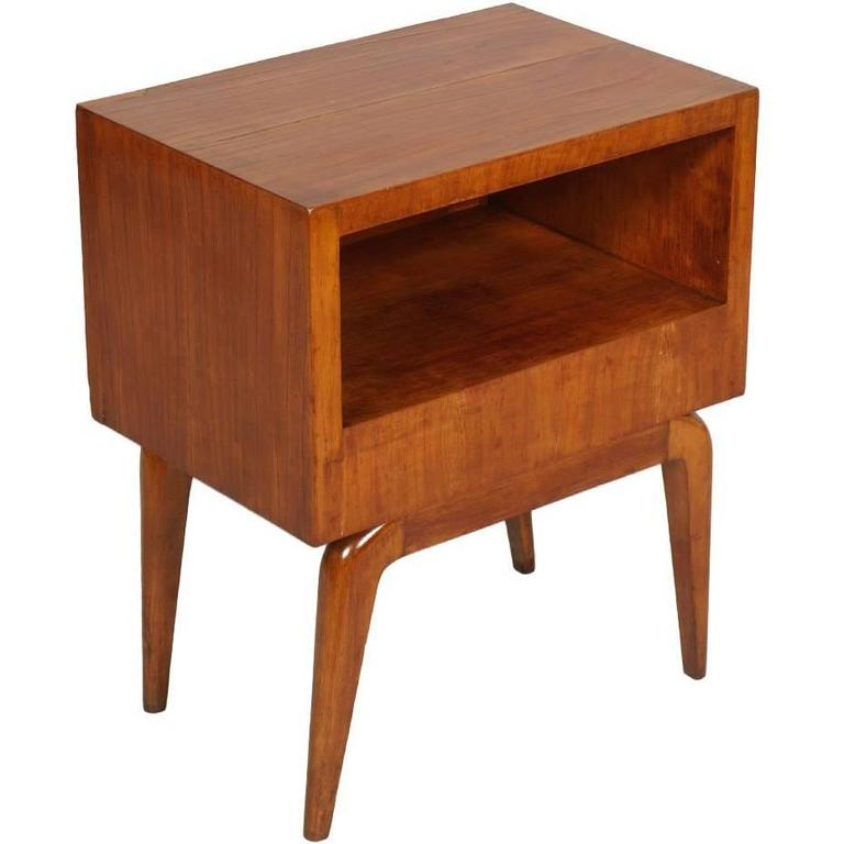 Delightful 1940s Mid Century Modern Bedside Table In Cherry Wood Gio Ponti Manner For  Sale