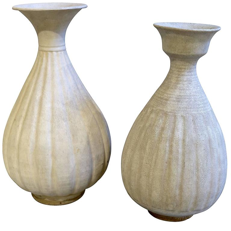 Cream Colored Fluted Vases, Thailand, 19th Century 1
