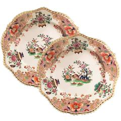 English Chamberlain's Worcester Porcelain Pair of Rim Soup Plates, 1830s