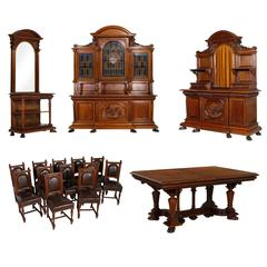 19th Century Italian Renaissance Set Dinigroom 16 Pieces Walnut Hand-Carved